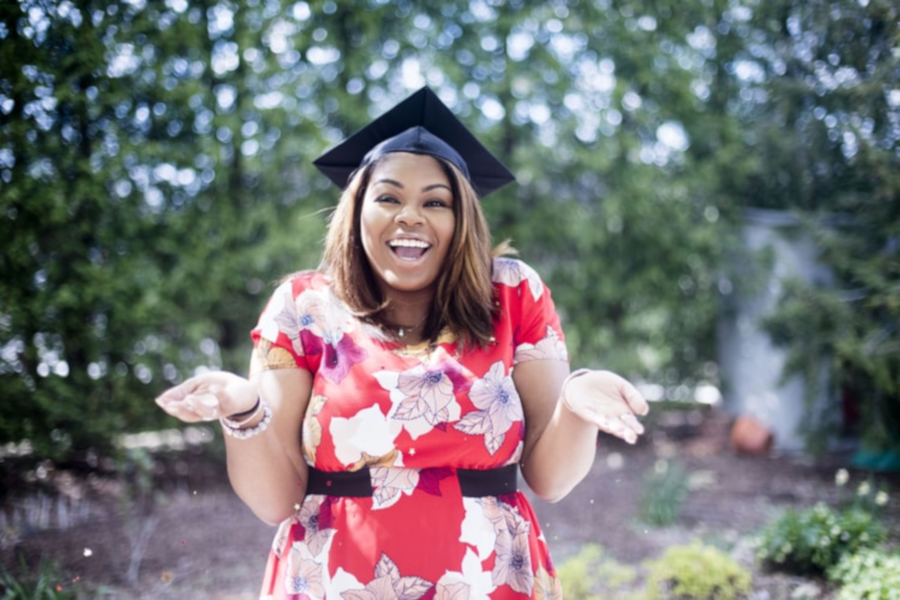 How to Pay Off Your Student Loans Before You Graduate